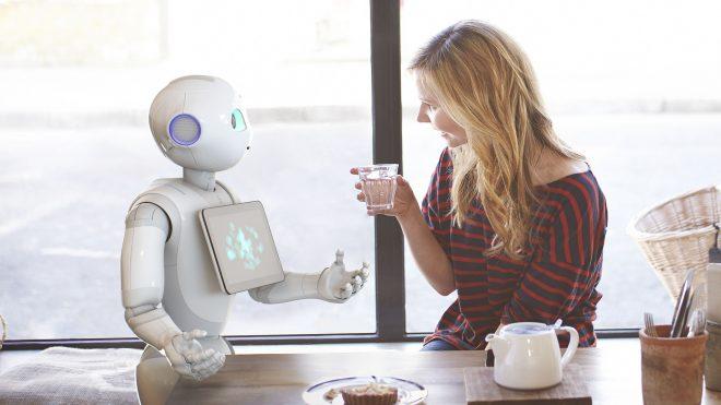 Pepper, dévoilé en juin 2014 par la société française Aldebaran et le groupe japonais Softbank, est le premier robot personnel au monde capable de lire les émotions.