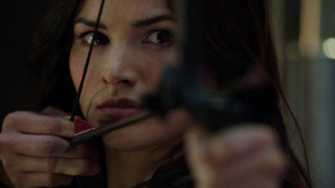 Katrina Law dans le rôle de Nyssa al Ghul, Arrow