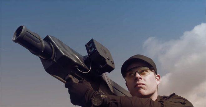 Le bazooka Skywall 100 - capture d'écran de la vidéo promotionnelle officielle