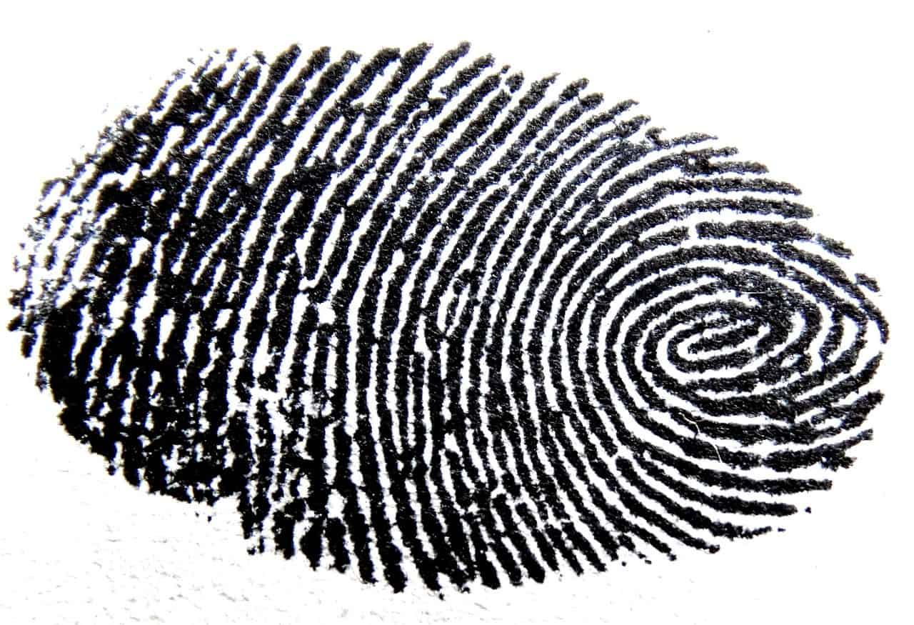 Les scanners d'empreintes des smartphones seraient vulnérables aux passe-partout