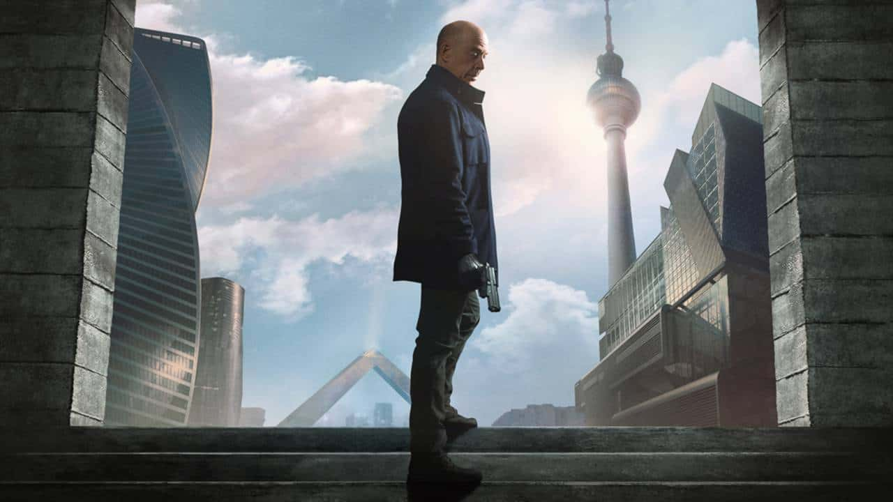 Counterpart : notre avis sur le très prometteur démarrage du thriller Starz/OCS avec J.K. Simmons