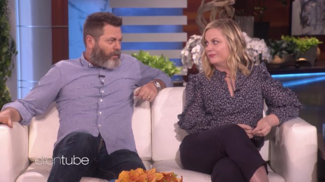 Nick Offerman et Amy Poehler dans The Ellen Show