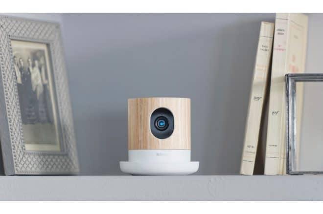La caméra Withings Home est une caméra de vidéosurveillance haute définition, pour surveiller votre maison, votre enfant ou votre animal n'importe où, n'importe quand, sans abonnement ou coûts additionnels. Elle est en outre équipée de capteurs permettant de surveiller la qualité de l'air ambiant. Une solution complète et élégante Avec son design moderne en bois, […]