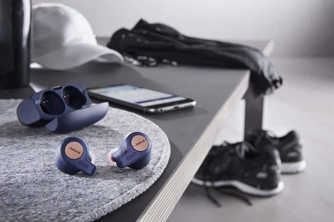 Disposant d'une autonomie totale de 15 heures avec l'étui de recharge, lesJabra Elite Active 65t sont conçus pour les athlètes les plus endurants. Des intras sport connectés Du haut de leur 386 grammes, les écouteurs et leur boîtier de recharge sont diablement performants. Ces derniers disposent de commandes vocales simplifiées vous permettant de vous connecter […]