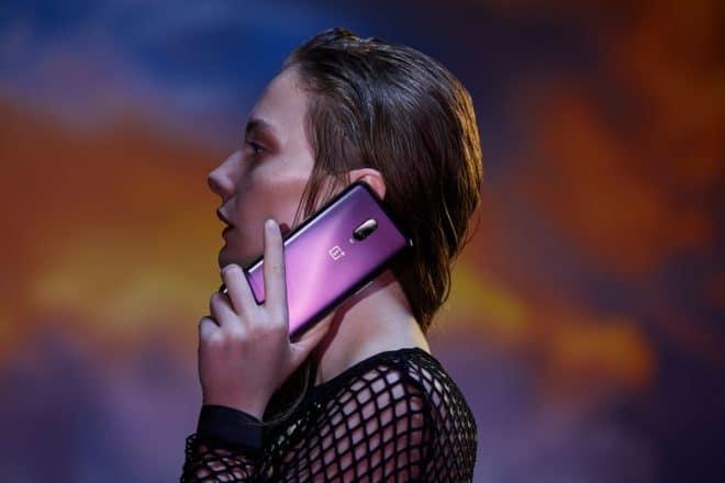 لقد كان OnePlus 8217T من أوائل الهواتف الذكية التي توفر قارئ بصمات الأصابع تحت الشاشة في أوروبا ، حيث جلب نصيبه من الابتكارات ودائماً ورقة بيانات تقنية لا مثيل لها بسعر قابل للتفاوض. تم إطلاقه بسعر 6 € ، وهو متوفر الآن على 8217 € على Rakuten مع استرداد 559 € في نقاط Superpoints بفضل كوبون *. ورقة [...]