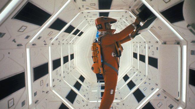 La technologie 8K n'est qu'à ses balbutiements tandis que la télévision japonaise prend déjà de l'avance. Et pour cause : le film culte de Stanley Kubrick, 2001 : L'Odyssée de l'Espace, va être diffusé sur la chaîne NHK. C'est depuis le 1er décembre, soit hier, que cette dernière diffuse des programmes en 4K et en […]