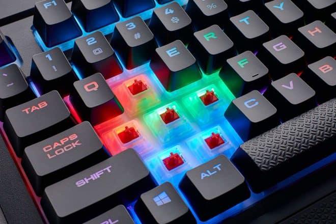 Un clavier qui offre une personnalisation pratiquement infinie grâce au rétroéclairage RGB dynamique. Switchs mécaniques Cherry MX Red Les claviers mécaniques offrent un temps de réponse et une sensation de frappe plus qualitative que les traditionnels claviers à membrane, et c'est encore plus vrai en jeu. Le clavierCorsair K68 RGB dispose en prime d'unetechnologie anti-ghosting […]