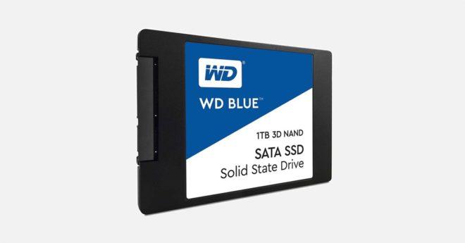 Western Digital s'est fait un nom dans l'industrie du stockage grâce à ses gammes pourdata hoarder exigeants (notamment la série RED) désirant conserver des montagnes de données ou faire tourner ses disques en serveurs et NAS 24/7. Face à la demande croissante en disques flash, WD propose également des SSD. Un prix plancher plutôt rare […]