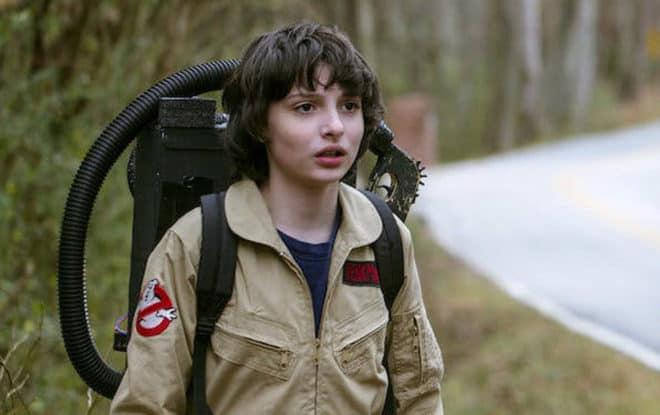 Finn Wolfhard, l'interprète de Mike Wheeler dans Stranger Things, en mode Ghostbusters.