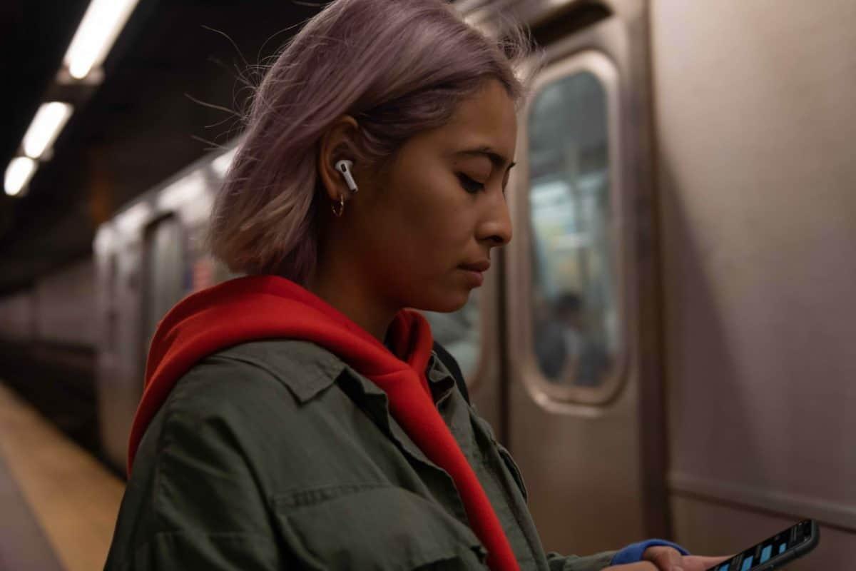 Apple dévoile les AirPods Pro, disponibles dès demain