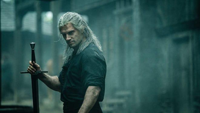 Henry Cavill incarne Geralt de Riv.
