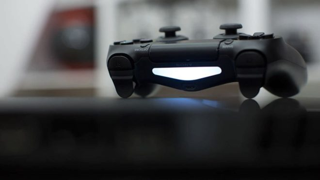 Les ventes de la PS4 chutent, la PS5 se fait attendre.