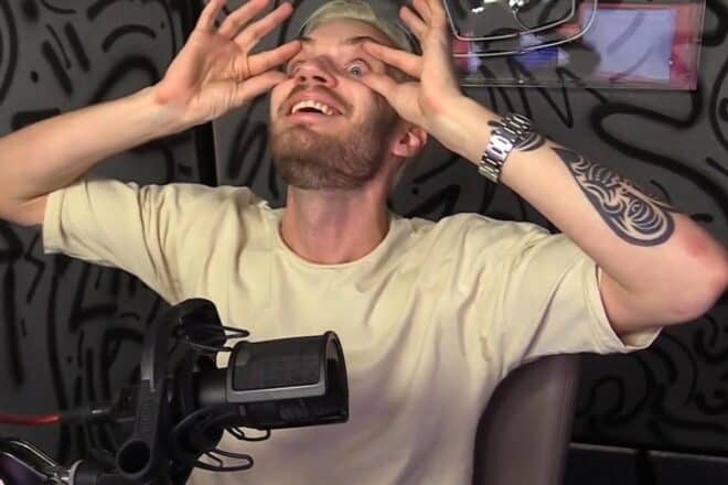 PewDiePie se fait recruter par YouTube pour faire du streaming.