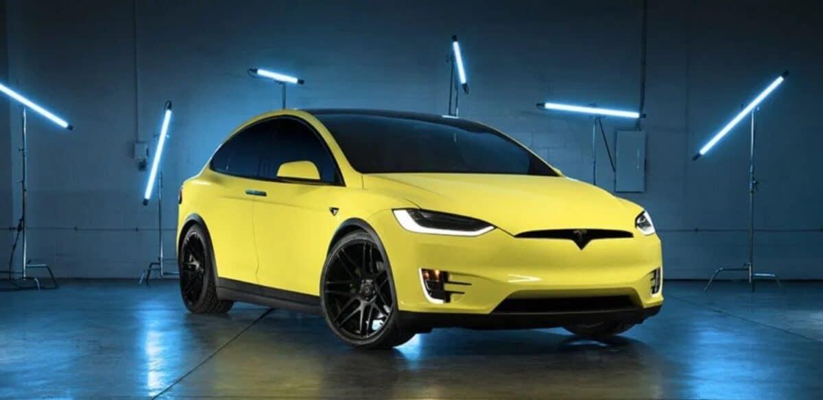 Tesla lance un service de personnalisation de ses voitures