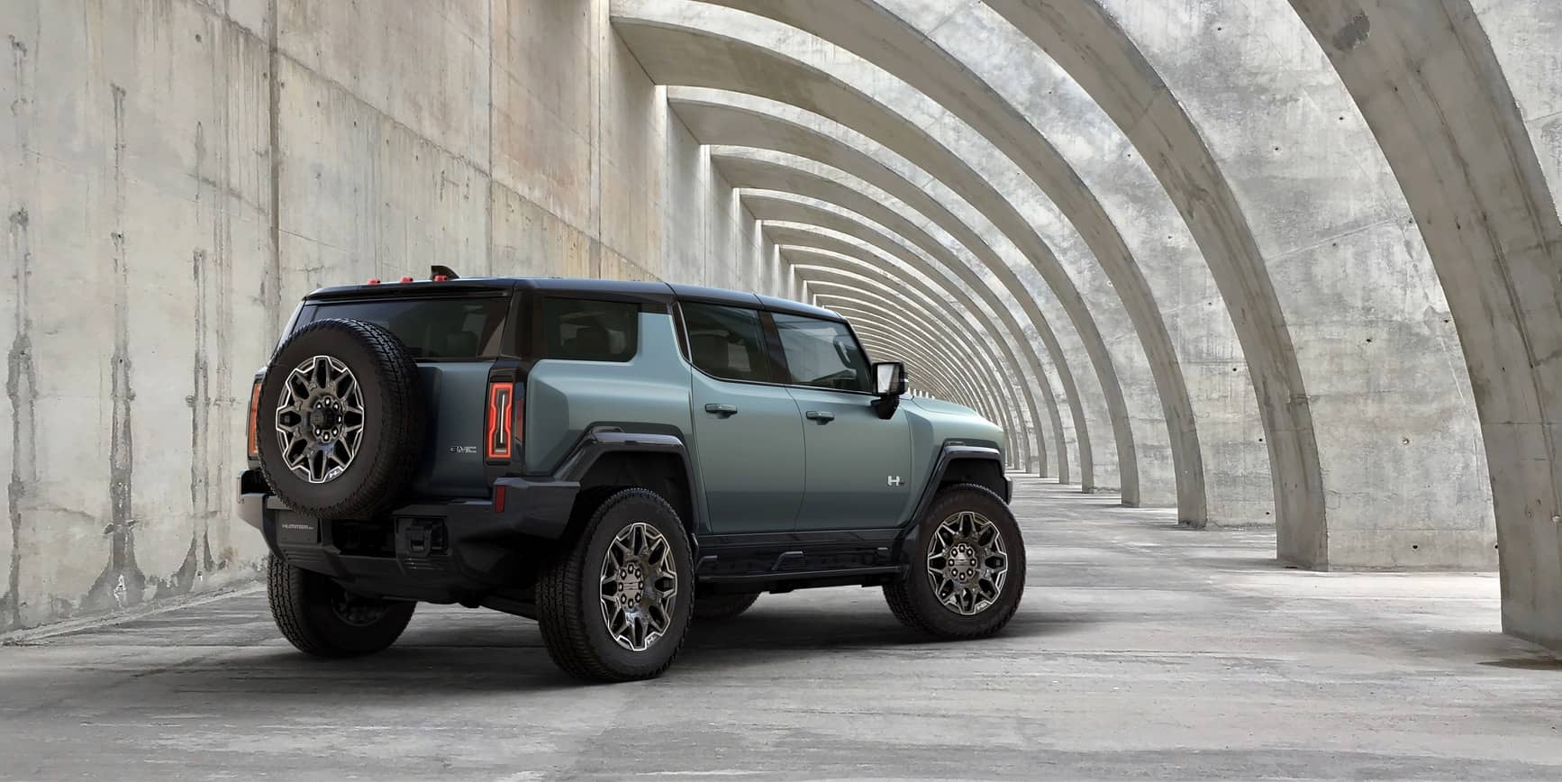 GMC unveils electric Hummer SUV, an 830-horsepower monster